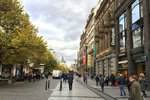 Pražská ulice Na Příkopě je 19. nejdražší nákupní ulicí světa. Překonala Pařížskou