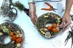 Vyrobte si nádherný podzimní věnec. Podle našeho videa to zvládnete