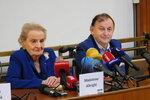 Albrightová v Praze: Trump uspěl i díky strachu. Svět ale neskončil