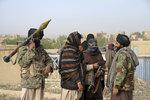Krvavý útok v Afghánistánu: Tálibán hodiny zabíjel vojáky, 140 mrtvých