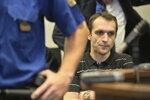 Taxivraždy u soudu ONLINE: Zavražděný taxikář jezdil opilý? Pitva odhalila 1,69 promile v krvi