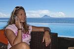 Operátoři T-Mobile a Vodafone už zlevnili data a volání po EU. O2 vyčkává