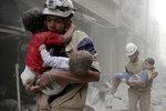 """První izraelská intervence v Sýrii: Armáda evakuovala příslušníky """"Bílých přileb"""" a jejich rodiny"""