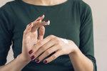 Velký test krémů na ruce: Musíte si připlatit, nebo stačí krém za pár korun?