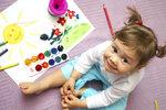 Jak vymalovat dětský pokoj? Na výrazné barvy raději zapomeňte!