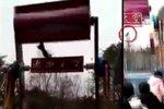 Video je pro silné povahy: Dívku (†14) zabila pekelná pouťová atrakce, vylétla ze sedačky