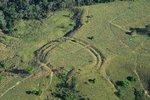 Amazonský prales vydal tajemství: Stovky kruhů podobných Stonehenge