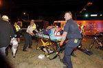 Masakr na masopustu v USA. Řidič najel do davu, mezi zraněnými jsou i malé děti