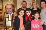 Dcery Janečka a Ujfalušiho: Mění se v mravence!