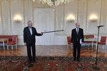 Zeman i Sobotkova vláda tvrdě doplatili na vládní krizi, tvrdí průzkum