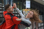 Vestibuly metra se proměnily v taneční parket: Tančili cestující i profesionálové
