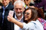 """Je to antisemita, pustil se rabín do šéfa opozice. A Brity varuje: """"V sázce je duše národa"""""""
