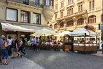 Prodej na ulici a žádné poplatky za předzahrádky: Praha vyjde podnikatelům vstříc, schválili zastupitelé
