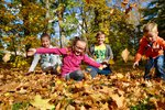 Česku se připomnělo léto. Teplotní rekordy padly na třetině stanic
