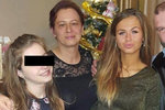 Simona (22) a Saša (13) přišly během 48 hodin o oba rodiče: Pohřeb si nemohly dovolit