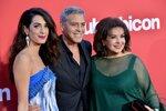 Clooney s Amal opustili dvojčátka a zazářili na premiéře! Vzali s sebou i Georgeovu tchyni