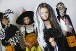 Rodiče se předhánějí, aby pro své dítě vymysleli nejděsivější masku.