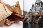 Za pivo v ruce pokuta až 10 tisíc! Praha chce z centra udělat nealko zónu!