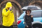 Středeční počasí připomene apríl. Deštníky a pláštěnky všude s sebou