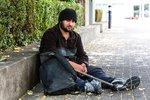 Němcům kvůli migrantům strmě stoupl počet bezdomovců. Expert viní Merkelovou