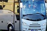 Babiš si do Strakovy akademie přivezl novou vládu autobusem. A začaly změny