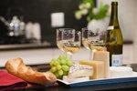 Silvestrovské oslavy se blíží: Jste milovníkem vína? Vyberte si k němu ten správný sýr!