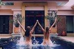 Povánoční dárek pro všechny chlapy: Modelky Vojtová a Houdová nahé v bazénu!