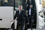 """Babiš otočil: Peníze autobusákům dají kraje. """"Populismus,"""" šije do něj náměstek"""