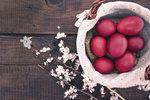 Nejlepší barvy na vajíčka: Přírodní, kupované i barvy za studena
