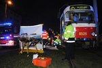Tramvaj v ulici Milady Horákové srazila chodkyni: Žena podle svědků přišla o nohu