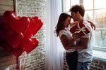 Překvapte svou lásku na Valentýna romantickým dárkem nebo raději něčím hodně sexy