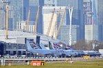 Londýnské letiště ochromila bomba. Nález z Temže narušil i spojení s Prahou