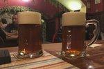 """Vesnice propagují islám na pivních táccích. """"Proč to cpou do hospod?"""" zuří Němci"""