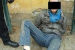 Sežeru vás!, křičel opilec na strážníky: Neměl roušku, potřeboval by spíše náhubek