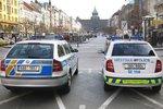 Zbili mě strážníci, tvrdí pražský bezdomovec. Ústavní soud se ho zastal