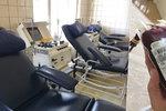 Nedostatek krve v Praze: Nemocnicím scházejí dárci, musí za nimi dojíždět