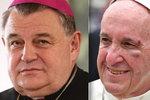 Zůstaňte dál arcibiskupem, požádal papež František kardinála Duku
