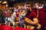 Štěkot, kňučení a vrčení: Hodní páníčci vzali své miláčky na promítání do kina