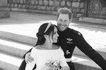Nešetří na něm? Neuvěříte, co dala Meghan Harrymu k výročí královské svatby!