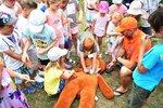 Bezvládné tělo medvěda: Děti ve vinohradské nemocnici se plyšáka snažily oživit, záchranáři jim radili, jak na to