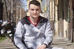 Nehoda upoutala Ondřeje na vozíček v pouhých devatenácti letech. On sám ale vozík nepovažuje za nemoc nebo překážku. Pro něj se jeho život nezměnil. Studuje, chodí do práce a celkově žije velice aktivně. Do projektu Nezastavitelní jej přihlásil kamarád..