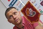 Hokejový mistr Melenovský po napadení na náměstí v Jihlavě ohluchl! Obviněnému hrozí až 10 let