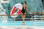 U vody s Ashley Graham i s Kendall Jenner: Jaké plavky u nich vedou?