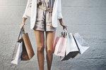 To je drzost! Šla do obchodu krást a přitom měla tašku napěchovanou jiným odcizeným zbožím