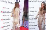 Švantnerová ve Varech v šatech za půl milionu: Jen kalhotky a 150 tisíc křišťálů!