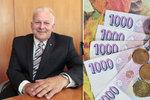 Tisíce důchodců živoří: Kdo má v penzi ke slíbenému průměru 17 tisíc daleko
