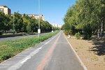 Další kus cyklostezky v Praze 8: Nová cesta obepíná sídliště v Ďáblicích