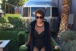 """Když si představíte normální českou důchodkyni ve věku osmdesáti tří let, asi to nebude obrázek modelky v sexy prádle. Běžně už v tomto věku nejsme tolik aktivní. Dorrie Jacobson je ale úplně jiná, žije v Los Angeles a společně se svou dcerou vede módní blog. Ten její najdete pod názvem Senior Style Bible – tedy """"módní bible seniorky""""."""