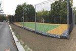 V Praze 5 otevírají sportovní hřiště. Vysnili si ho místní, zahrajete si tu volejbal nebo tenis