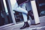 První podzimní novinky se pomalu začínají objevovat ve všech obchodech. Pojďte se podívat na nejvýraznější trendy v obuvi pro tento podzim.